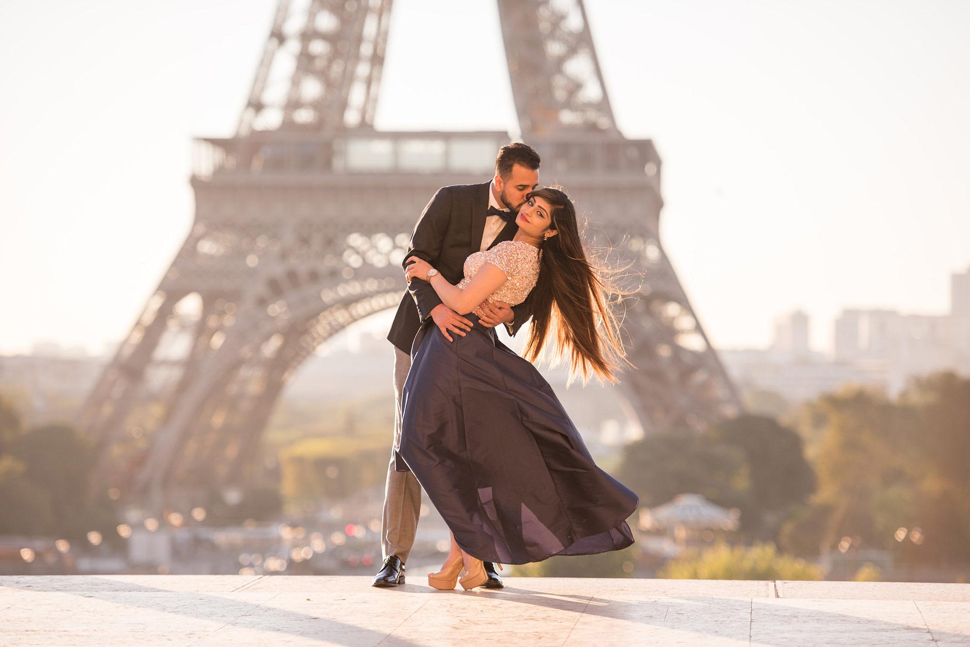 Paris Photo Session - Contact Pictours Paris Photography